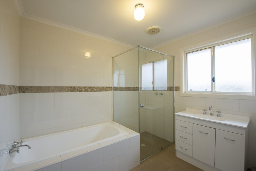 FlindersBushRetreats030817-0071